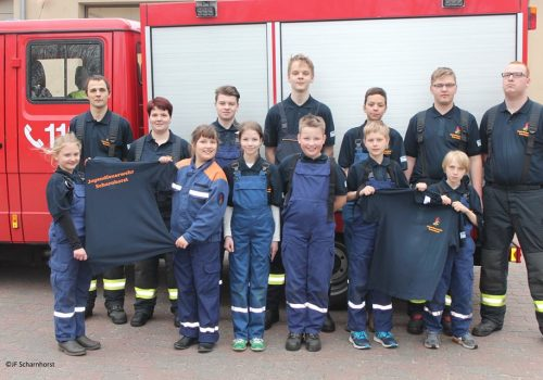 Jugendfeuerwehr In Neuem Outfit!